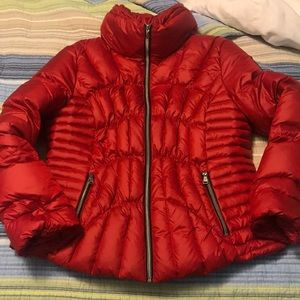 e7092ad0a GUESS quilted red down puffer jacket ❄️